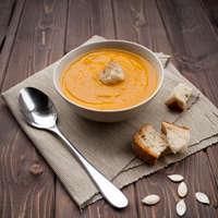 Heiße Suppen und kühler Wein