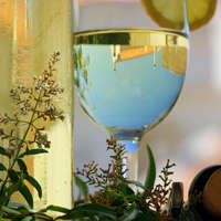 Milden Weißwein mit geringer Säure finden Sie auf NAVINUM